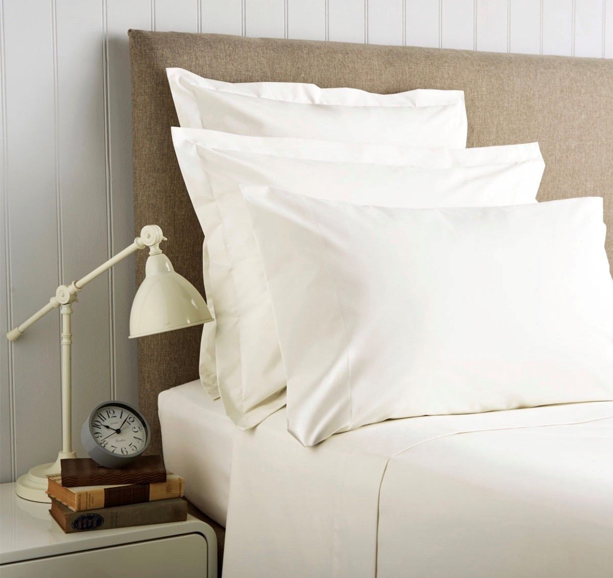 Christy '400 Thread Count Cotton Sateen' Fitted Sheet Ivory (Extra Deep)