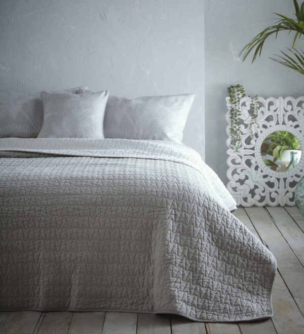 Aspect Quilted Throw Silver